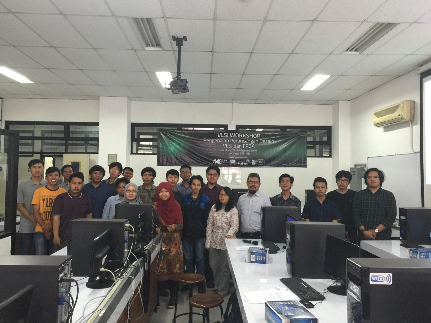 2016 VLSI WORKSHOP  Introduction to VLSI Design and FPGA in ITB